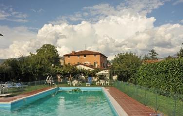 DSC_8647.JPG: esterno piscina